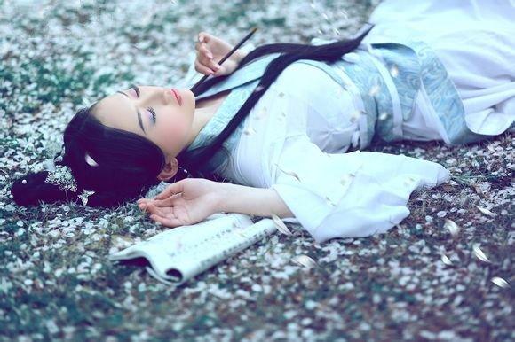 【网络美文】绮梦朦胧,一眼浮生醉流年 作者:韩墨染